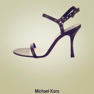 Michael Kira Nevis vachetta scrappy heel 8B